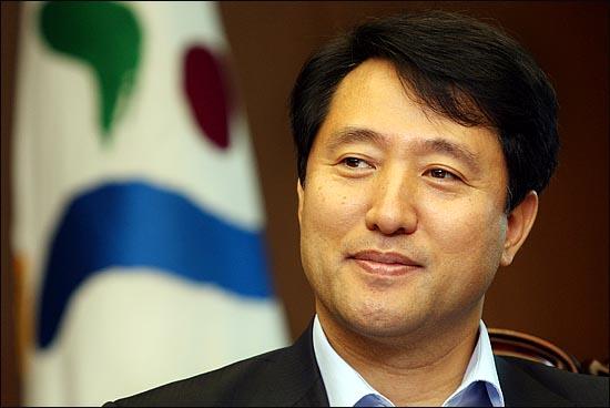 오세훈 서울시장은 인터뷰 내내 앞으로의 시정 방향에 대해 ´경청과 소통´을 강조했다.