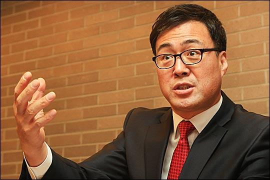 지난 17일 김해시장 출마를 선언한 이만기 인제대 교수.  ⓒ데일리안 홍효식 기자