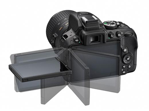 회전 가능한 멀티앵글 LCD를 탑재한 니콘 DSLR D5300.ⓒ니콘이미징코리아
