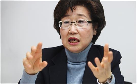 마포을을 위해 제안한 4대 비전을 설명하고 있는 황 의원. ⓒ데일리안 홍효식 기자