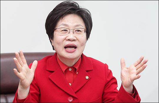 정치에 참여하게 된 계기에 대해 설명하고 있는 정 의원. ⓒ데일리안 박항구 기자