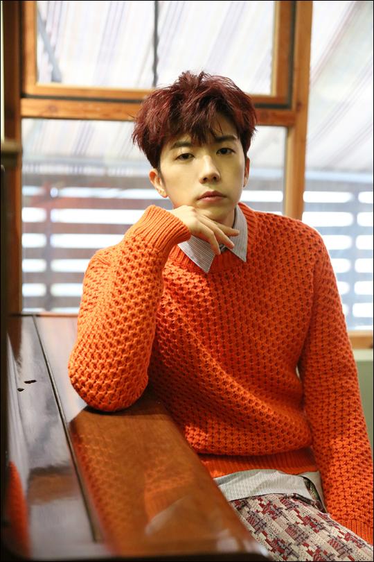 5년여 만에 컴백한 2PM 우영이 5년 전 사춘기를 겪었다고 고백했다.ⓒJYP