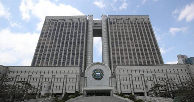 서울중앙지법과 서울고등법원이 함께 쓰고 있는 서울 서초동 법원청사 전경.ⓒ연합뉴스