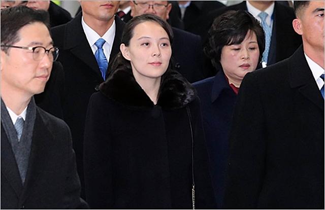 김여정 조선노동당 중앙위원회 제1부부장이 9일 오후 인천국제공항에서 2018 평창 동계올림픽 개막식 참석을 위해 KTX 승차장으로 이동하고 있다. ⓒ데일리안