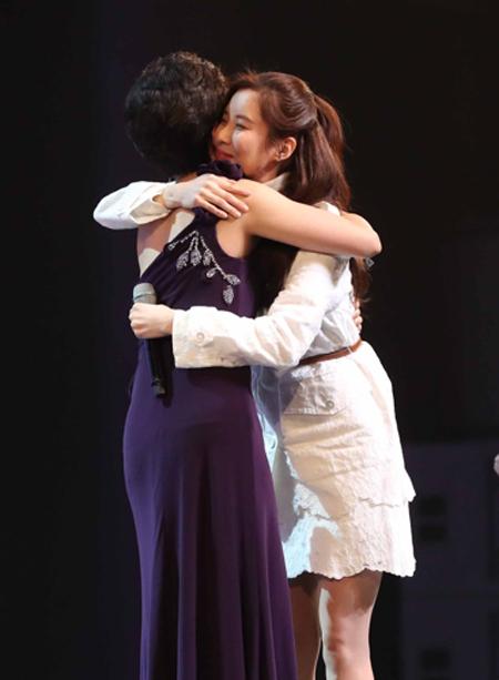 """청와대가 소녀시대 서현(본명 서주현·27)의 북한 예술단 공연 합류에 대해 """"서현 측에서 출연에 응해 성사됐다""""고 9일 밝혔다.ⓒ연합뉴스"""
