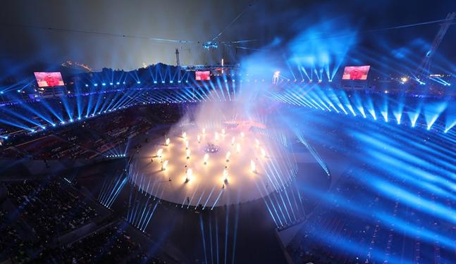 평창동계올림픽 개막식을 밝히는 조명 ⓒ연합뉴스