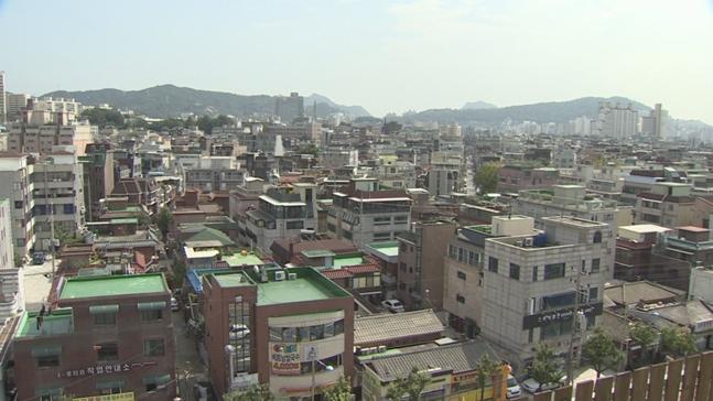 최근 연립주택의 투자자와 실수요자가 늘면서 매매거래량과 시세가 오름세를 보이고 있다. 연립주택과 다세대가 혼재돼 있는 서울의 한 주택가 모습.(자료사진) ⓒ연합뉴스