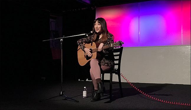 스웨덴에서 활동하고 있는 한국 가수 제야. (사진 = 제야 제공)