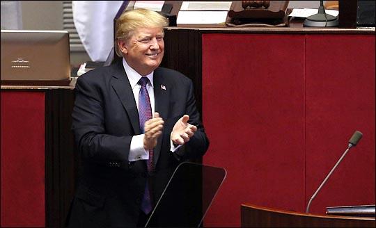 우리나라 국민 10명 중 4명은 트럼프 대통령이 노벨 평화상을 수상하는데 찬성하는 것으로 나타났다. ⓒ데일리안 박항구 기자
