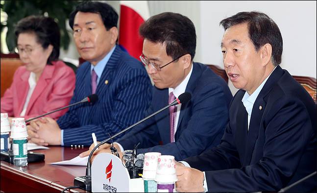 김성태 자유한국당 원내대표가 지난 15일 오전 국회에서 열린 원내대책회의에서 이야기 하고 있다. (자료사진) ⓒ데일리안 박항구 기자