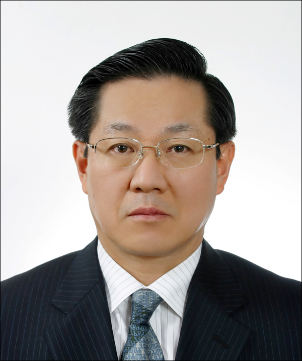 KBL 9대 총재로 선임된 이정대 전 현대차그룹 부회장. ⓒ KBL