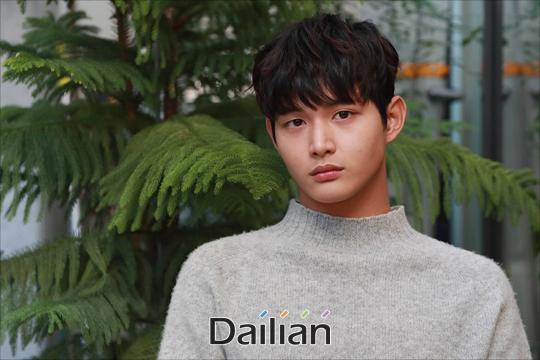 강체 추행 및 특수 협박으로 조사를 받고 있는 배우 이서원이 tvN 새 월화드라마