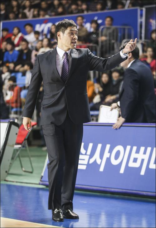 KT에서 지난 3시즌간 감독직을 맡아왔던 조동현 감독이 현대모비스 수석 코치로 이동했다. ⓒ KBL