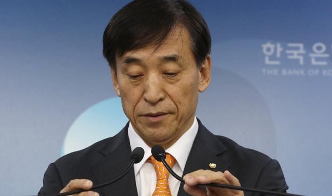 미국의 금리인상 행보가 점차 빨라지고 있지만 국내 경제상황 등으로 금리인상에 제동이 걸린 한국은행의 향후 통화정책방향에 이목이 쏠리고 있다. ⓒ연합뉴스