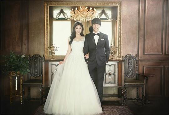 배우 윤주만이 7월 7일 한 살 연하의 일반인 여자친구와 결혼한다.ⓒ이원석 작가, 오쉐르 웨딩브디끄