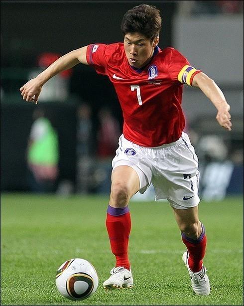 영원한 캡틴 박지성도 월드컵 이후 열린 아시안컵을 끝으로 태극마크를 반납했다. ⓒ 연합뉴스