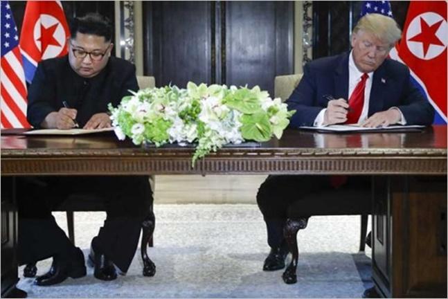 세기의 핵담판으로 주목받았던 6.12 싱가포르 북미정상회담이 오늘로 꼭 한 달을 맞은 가운데, 이제 비핵화 로드맵 구축을 위한 북미 협상 2라운드가 막을 올렸다.(자료사진) ⓒCNN 화면 캡처