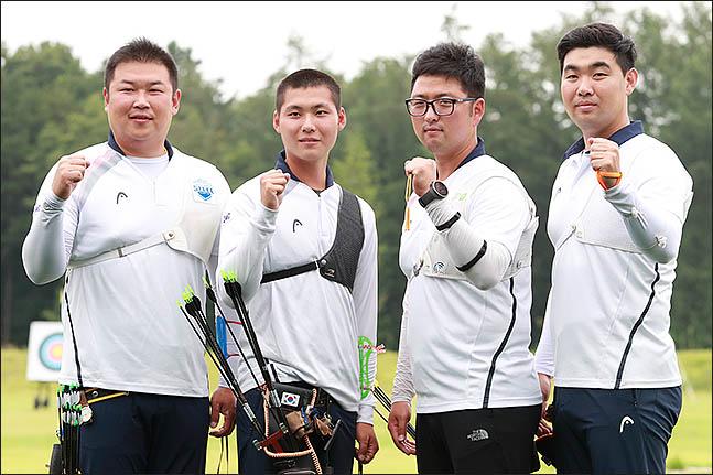 결승서 대만에 석패한 남자 양궁 대표팀. ⓒ 데일리안 류영주 기자