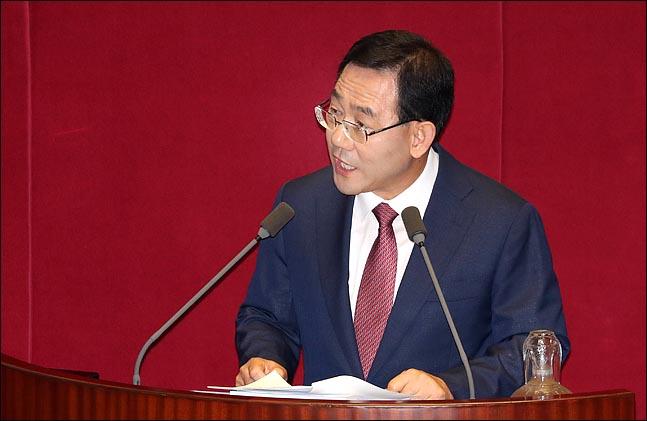 주호영 자유한국당 의원이 13일 국회 본회의장에서 대정부질문을 하고 있다. ⓒ데일리안 박항구 기자