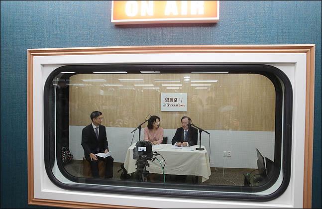 김병준 자유한국당 비상대책위원장이 11일 오전 서울 영등포 당사에서 열린