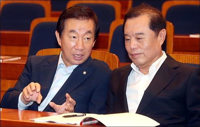 자유한국당 김성태 원내대표, 김병준 비상대책위원장(자료사진)ⓒ데일리안 박항구 기자