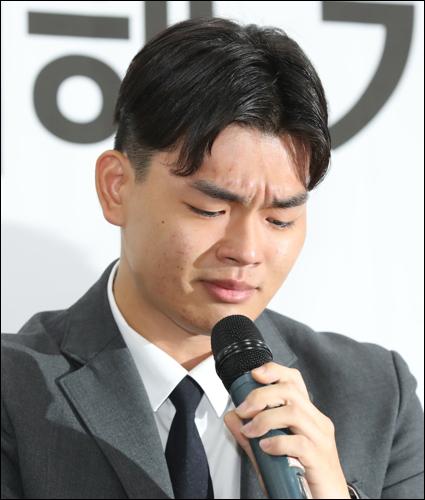 더 이스트라이트 멤버 이석철이 김창환 미디어라인 엔터테인먼트 총괄 프로듀서의 폭력 행위를 폭로했다. ⓒ 연합뉴스