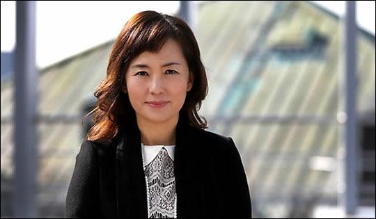 공지영 작가가 김부선과의 통화 녹취를 발췌해 게시한 자를 고소하겠다고 밝혔다. ⓒ 연합뉴스