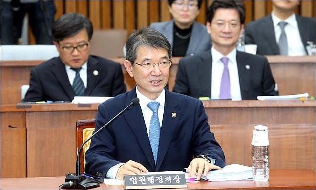 안철상 법원행정처장이 8일 국회에서 열린 국회 사법개혁특별위원회 전체회의에서 의원들의 질의에 답변하고 있다.ⓒ데일리안 박항구 기자