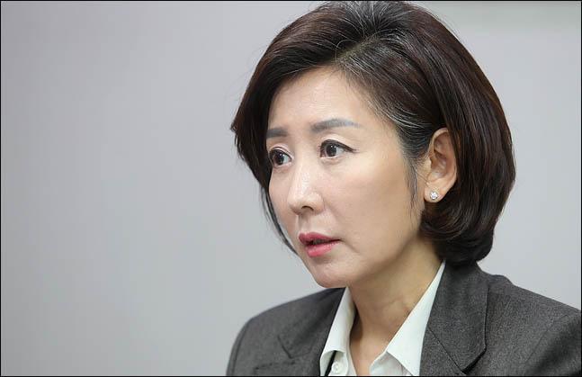 나경원 자유한국당 의원(사진)은 6일 북한 비핵화와 인권 개선을 위한 최소한의 전제조건이 충족되지 않으면, 김정은 북한 국무위원장이 답방한들