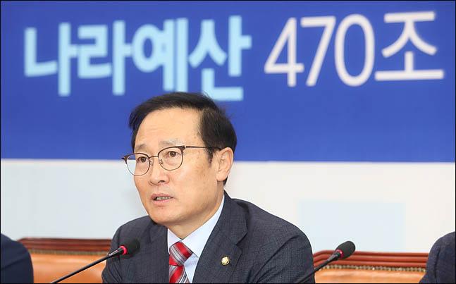 홍영표 더불어민주당 원내대표가 6일 오전 국회에서 열린 정책조정회의에서 발언하고 있다. ⓒ데일리안 박항구 기자