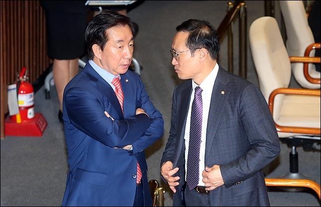 홍영표 더불어민주당 원내대표와 김성태 자유한국당 원내대표(자료사진)ⓒ데일리안 박항구 기자