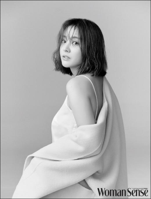 배우 박은혜가 워킹맘으로서의 일상을 공개했다. ⓒ 우먼센스<br />