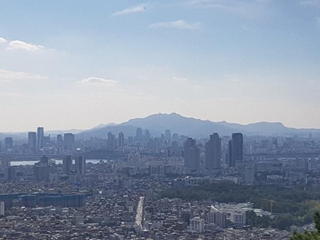 서울 아파트 전세시장이 크게 위축되고 있다. 가장 먼저 전셋값 조정이 본격화 되는 모습니다. 사진은 서울 일대 전경.ⓒ권이상 기자