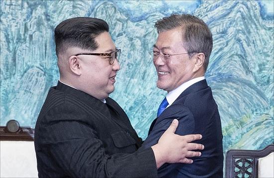 김정은 북한 국무위원장의 서울 방문이 가시화하면서 답방 시기와 세부일정, 숙소 등을 놓고 각종 설(說)이 쏟아지고 있다.(자료사진)ⓒ청와대
