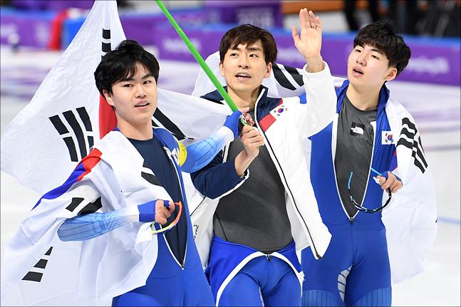 이승훈이 빠진 남자 팀추월 대표팀이 국제빙상경기연맹(ISU) 월드컵 3차 대회에서 6위를 머물렀다. ⓒ 2018평창사진공동취재단