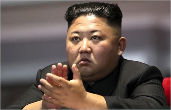 김정은 북한 국무위원장이 지난 19일 북한 대집단체조와