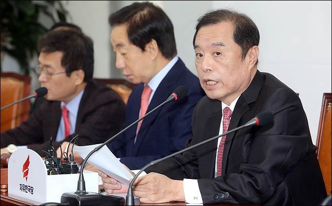 김병준 자유한국당 비상대책위원장이 6일 국회에서 열린 비대위 회의에서 모두발언을 하고 있다. ⓒ데일리안 박항구 기자
