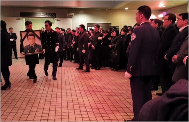 11일 오전 서울 강남구 삼성서울병원 장례식장에서 이재수 전 기무사령관의 발인이 엄수되고 있다. ⓒ데일리안