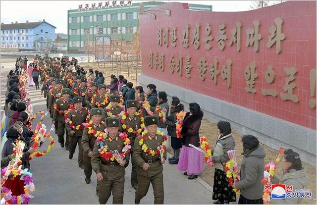 2016년 11월 북한 당국이 연평도 포격전 6년을 맞아 승전을 기념하는 행사를 진행하고 있다. ⓒ조선의오늘