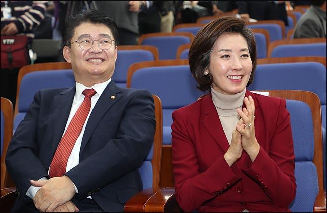 자유한국당 나경원 신임 원내대표와 정용기 정책위의장(자료사진) ⓒ데일리안 박항구 기자