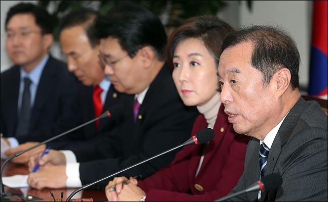 김병준 자유한국당 비상대책위원장이 13일 오전 국회에서 열린 비상대책위원회의에서 모두발언을 하고 있다. ⓒ데일리안 박항구 기자