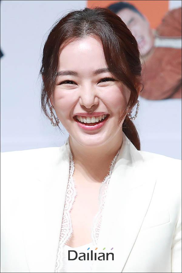 17일 오전 서울 강남구 압구정CGV에서 열린 영화