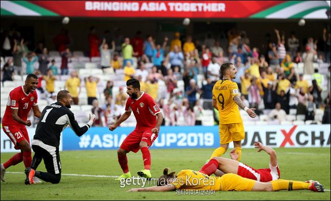 '디펜딩 챔피언' 호주는 2019 AFC 아시안컵 B조 1차전에서 요르단에 0-1로 패하며 이변의 희생양이 됐다. ⓒ 게티이미지