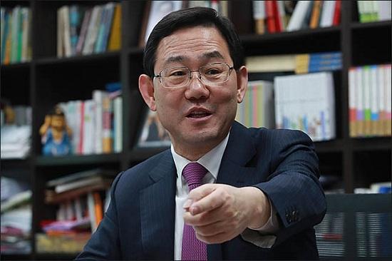 2·27 자유한국당 전당대회의 유력 당권주자인 TK(대구·경북) 출신 4선 중진 주호영 의원이 17일 오전 의원회관에서 데일리안과 인터뷰를 갖고 있다. ⓒ데일리안 류영주 기자