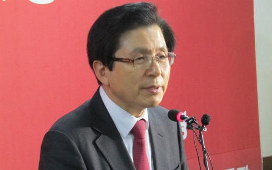황교안 전 국무총리가 22일 오후 자유한국당 대전시당에서 열린 당원간담회에서 당원들의 질문에 답하고 있다. ⓒ데일리안