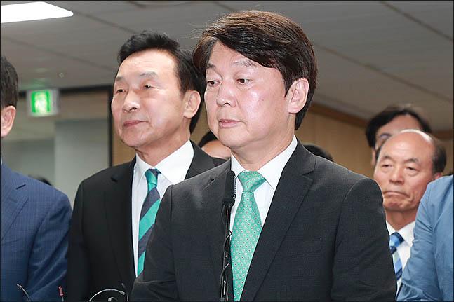 안철수 바른미래당 서울시장 후보가 13일 오후 서울 여의도 당사에서 6·13 지방선거 방송사 출구조사 결과에 대한 입장을 발표하고 있다.(자료사진) ⓒ데일리안 류영주 기자