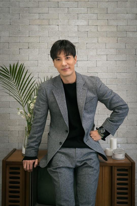 배우 김지석이