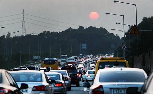 정체된 고속도로 모습. ⓒ데일리안 홍효식 기자