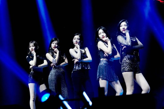 그룹 레드벨벳이 첫 북미 투어의 화려한 막을 올렸다.ⓒSM엔터테인먼트
