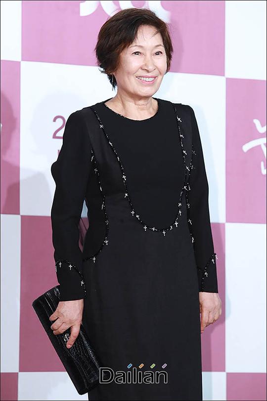 배우 김혜자가 JTBC 새 월화극